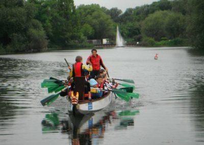 Klassenfahrt Drachenbootfahren