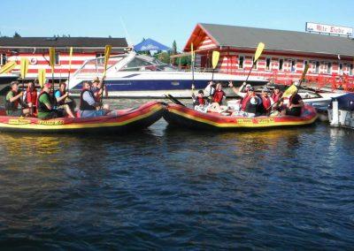 Mit zwei Schlauchbooten auf dem Rhein